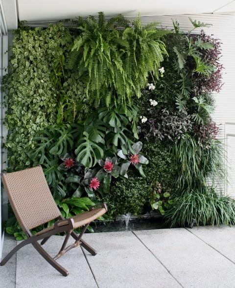 jardim vertical latas:Rústico & Chique: Jardim Vertical
