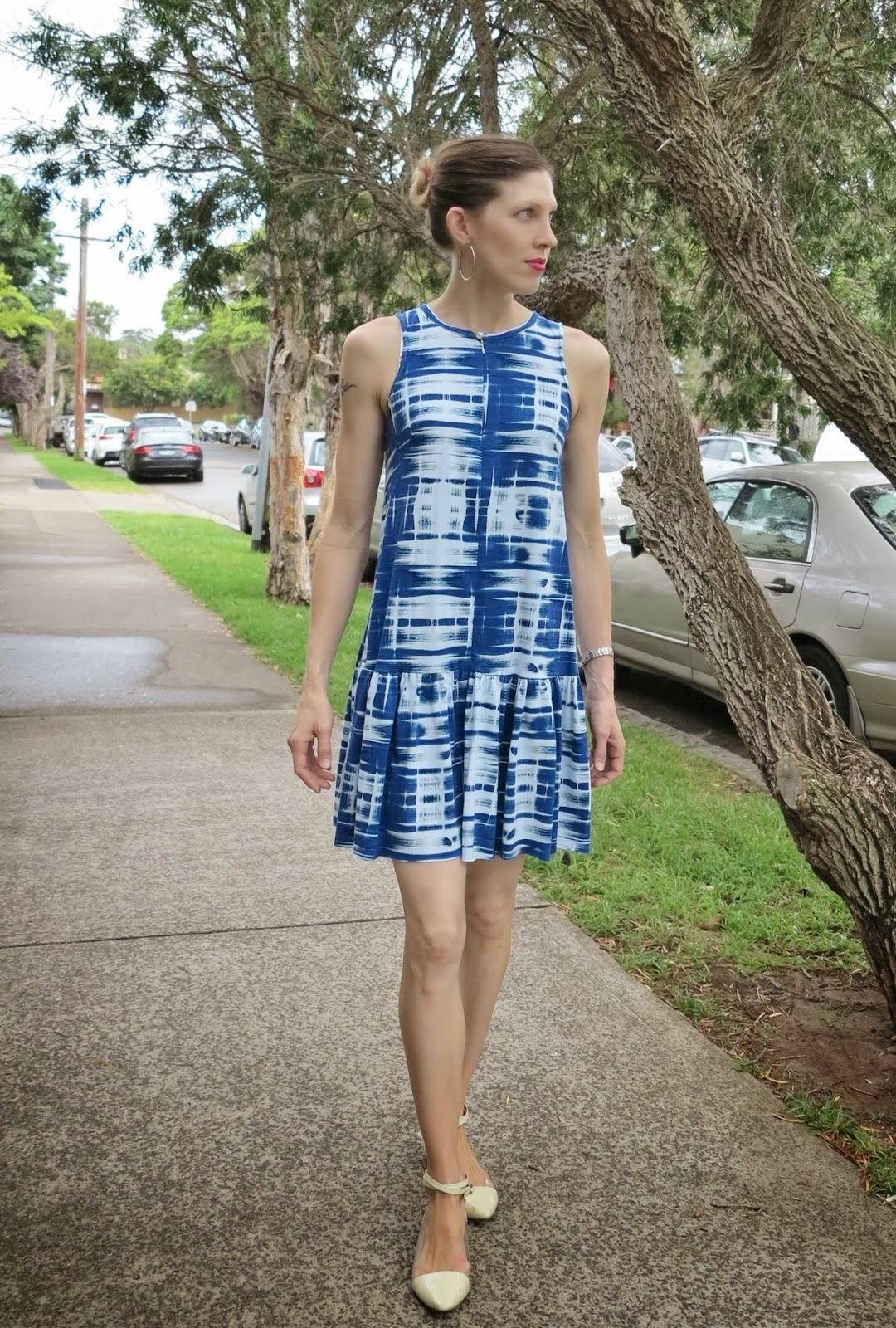 http://lilysageandco.blogspot.com/2013/12/drop-waist-obsession.html