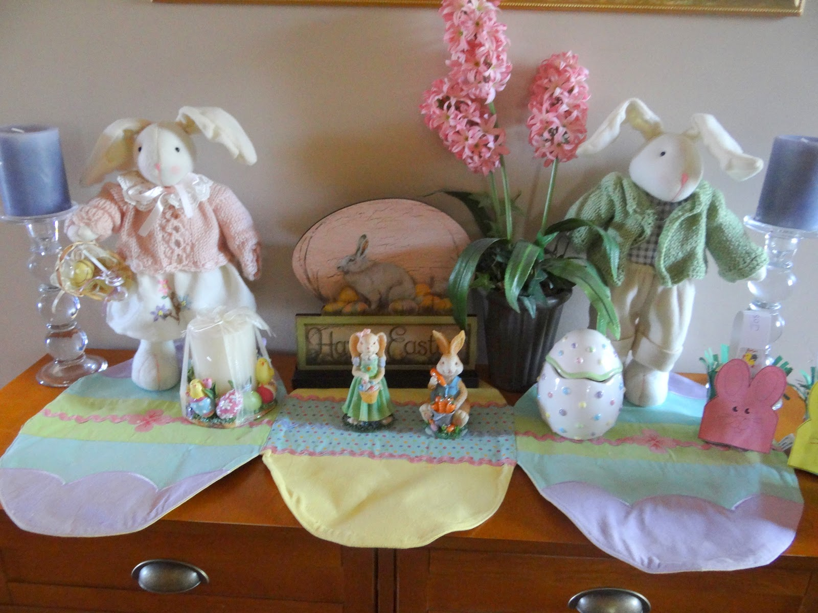 Pattie 39 s place easter decorations and pottery barn kiddie table - Table easter decorations ...