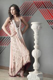 http://3.bp.blogspot.com/-n_qrnx8PyzU/TlFMcwRENHI/AAAAAAAAHT0/9Lw06ItUw7E/s1600/allfashionableitems+%2528kameez+shalwar%2529+red-and-green-eid-churidar-salwar-kameez-design-for-women+%25284%2529.jpg