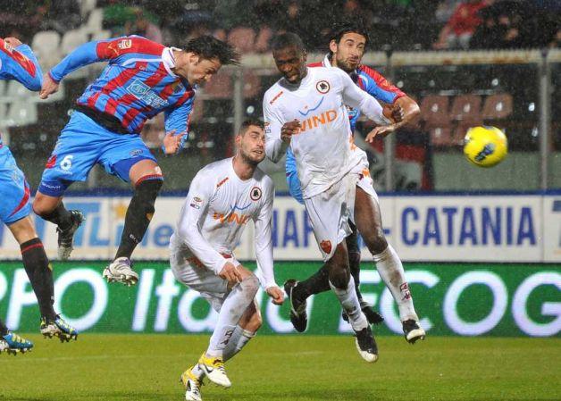 http://3.bp.blogspot.com/-na8ZUhom_jA/TxIGGSLVl6I/AAAAAAAAB54/0vNzt5w5CJQ/s1600/Catania+VS+AS+Roma+Postponed.jpg