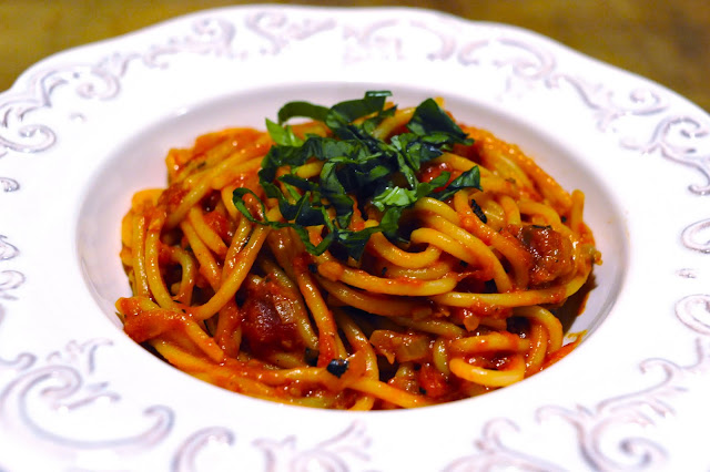 Vegan Good Things: Simple, Perfect Pasta al Pomodoro