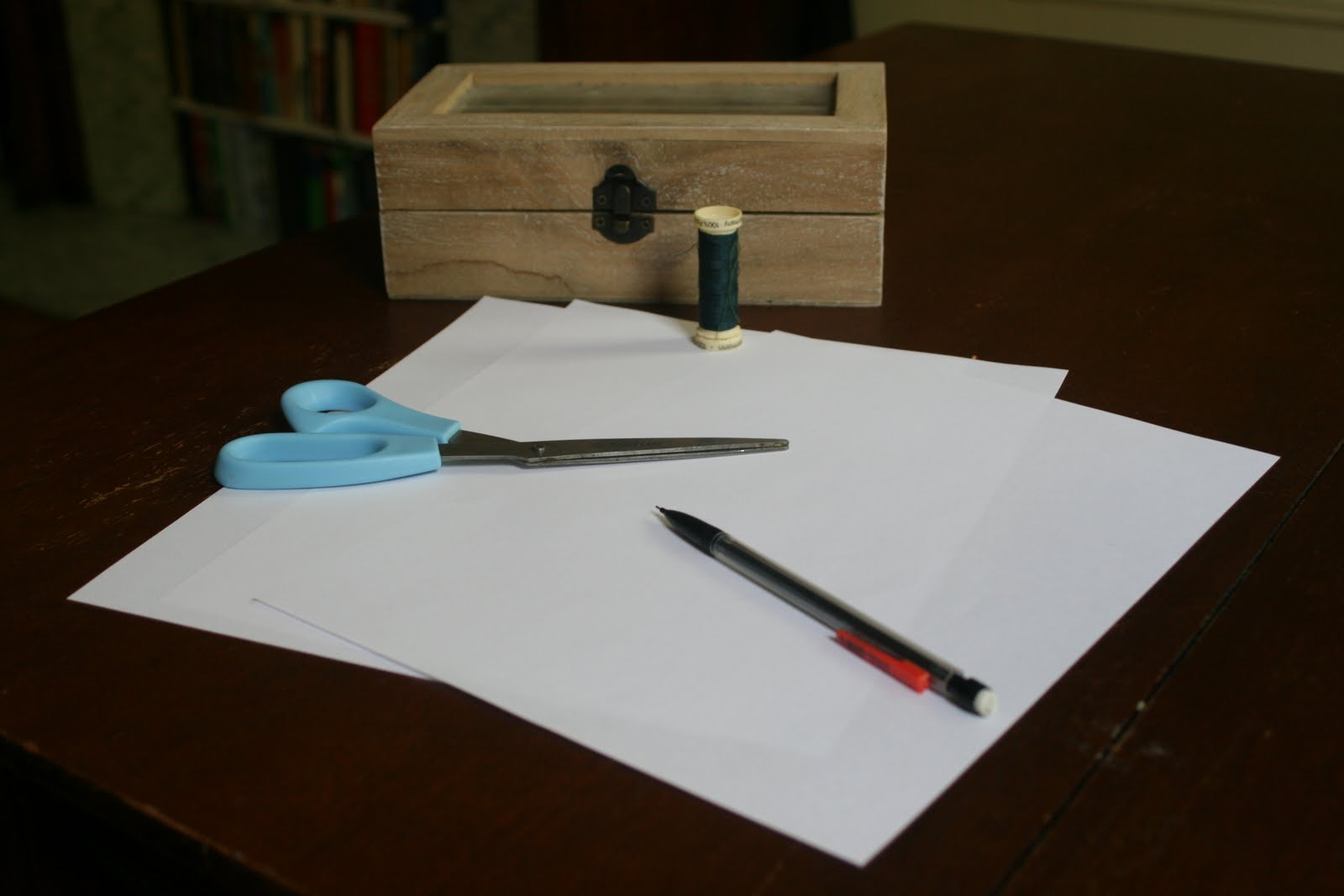 how to make a photo clothesline