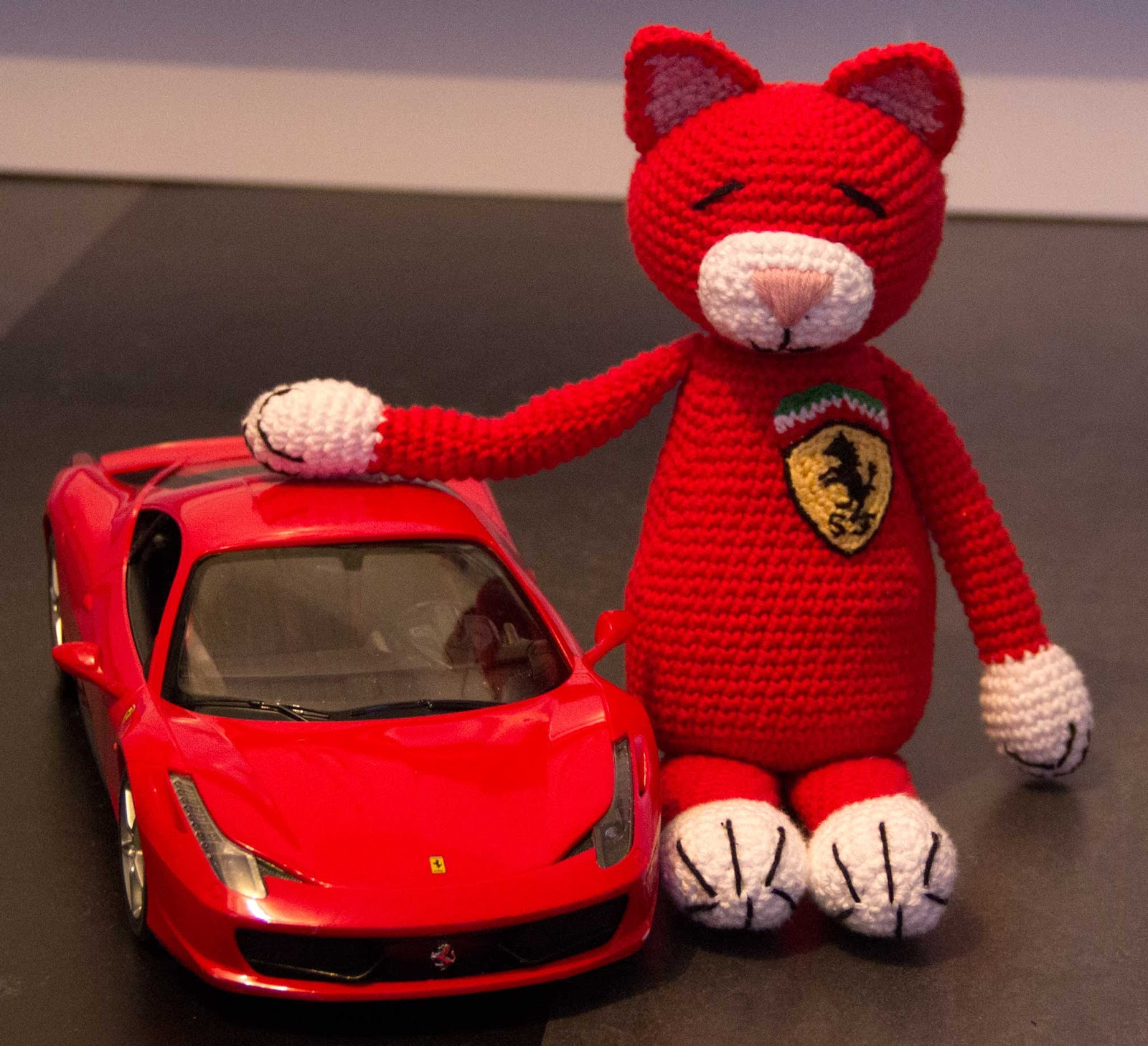 ferarri croched cat amigurumi