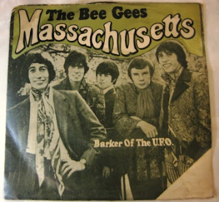 Piringan Hitam The Bee Gees Massachusetts Barker Of The UFO