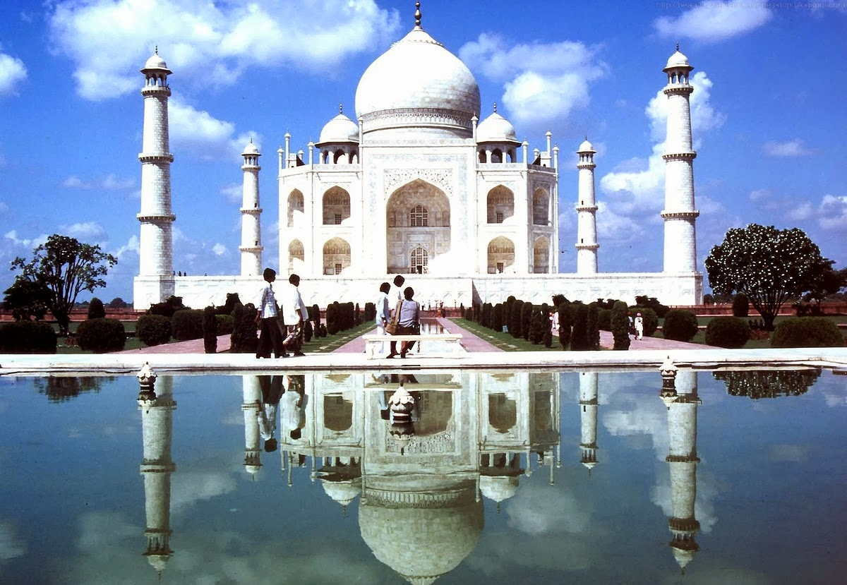 http://beautifulwallpapersfordesktop.blogspot.com/2014/02/beautiful-taj-mahal-wallpapers.html
