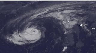 Hurrikan NADINE Azoren aktuell: Flores im Visier, Nadine, aktuell, Azoren, Satellitenbild Satellitenbilder, Vorhersage Forecast Prognose, Verlauf, Zugbahn, Oktober, 2012, Europa, Atlantische Hurrikansaison, Hurrikansaison 2012,