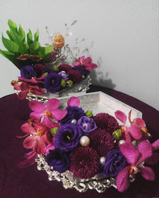Hantaran fresh flower Purple/Ungu untuk pihak perempuan