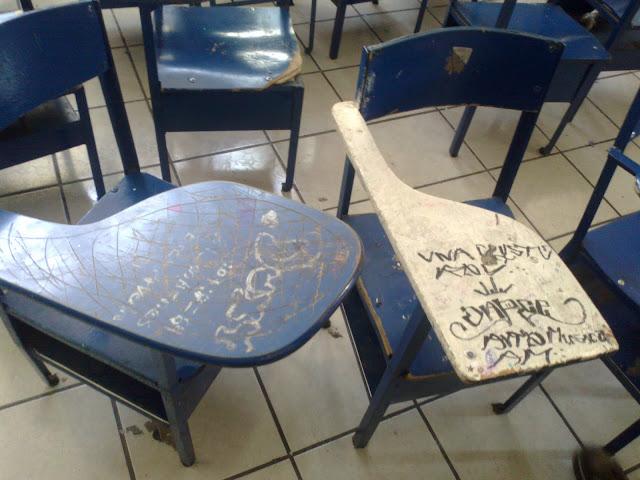 Maltrato de las instalaciones y mobiliario en prepa 12 for Mobiliario para escuelas