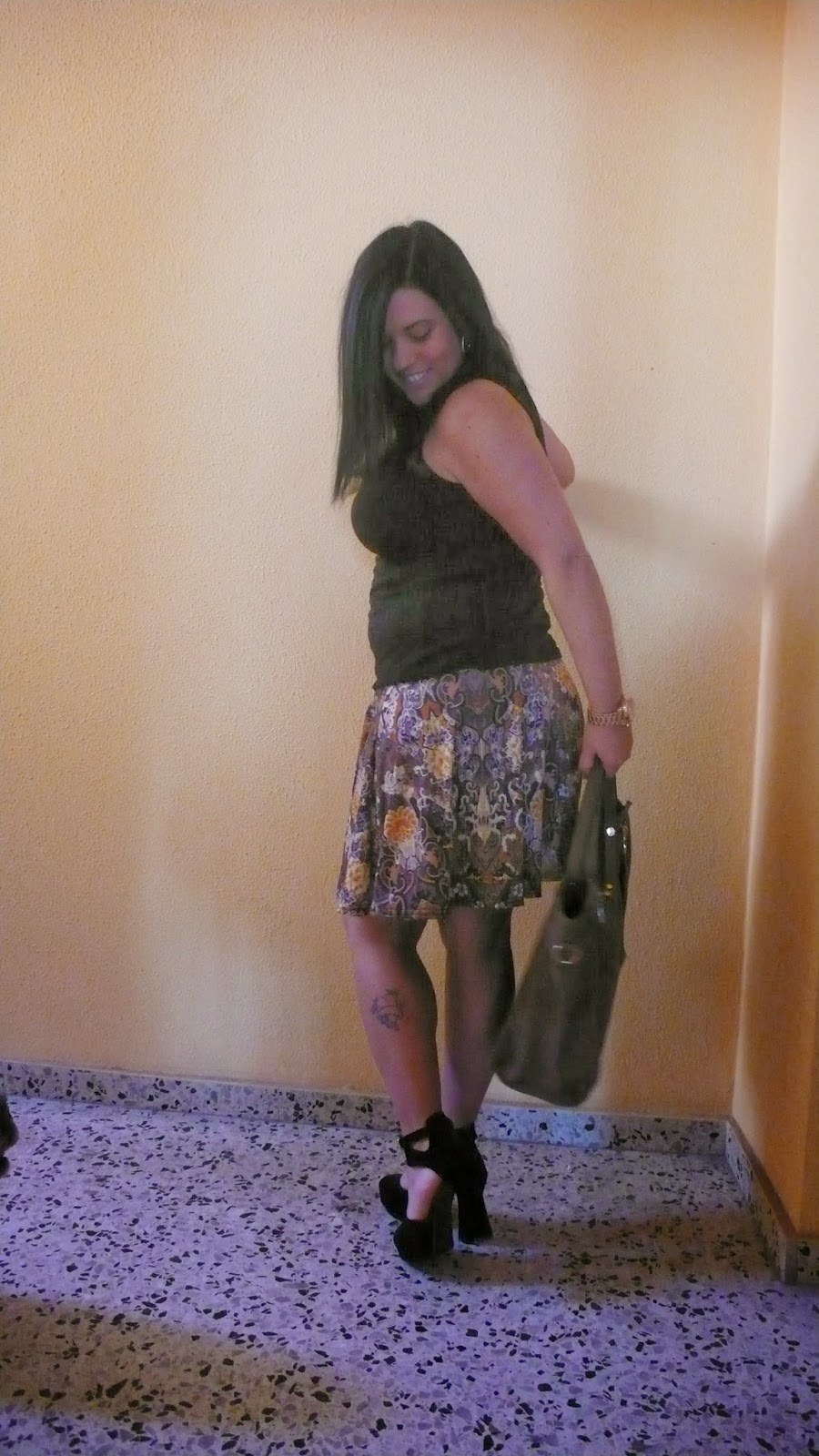 http://www.oasap.com/heels/37512-eye-catching-peep-toe-platforms.html?fuid=98518