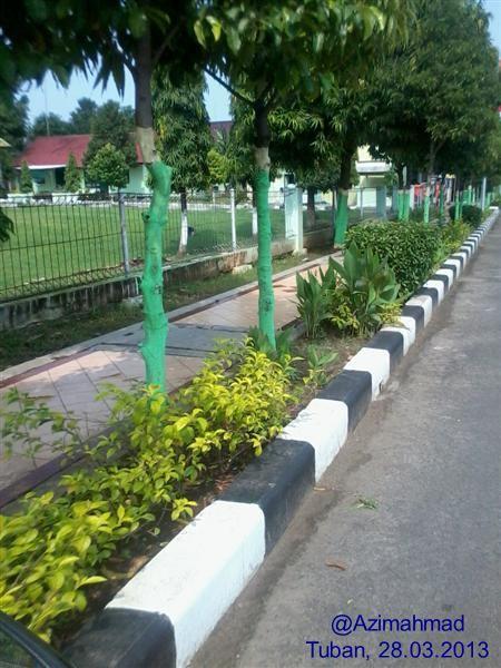 Kartunet Kampanye Aksesibilitas Tanpa Batas, Alas lantai keramik pada trotoar di Kabupaten Tuban