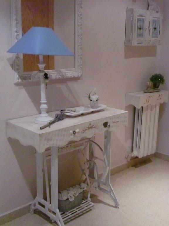Decoraci n de interiores estilo eclectico - Mesas para coser a maquina ...
