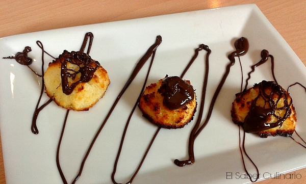 como hacer galletas de coco o coquitos con chocolate