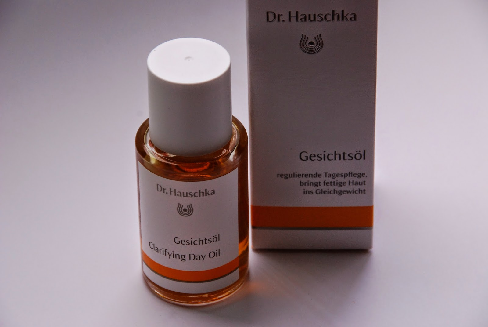 beautyglace review dr hauschka gesichts l und. Black Bedroom Furniture Sets. Home Design Ideas