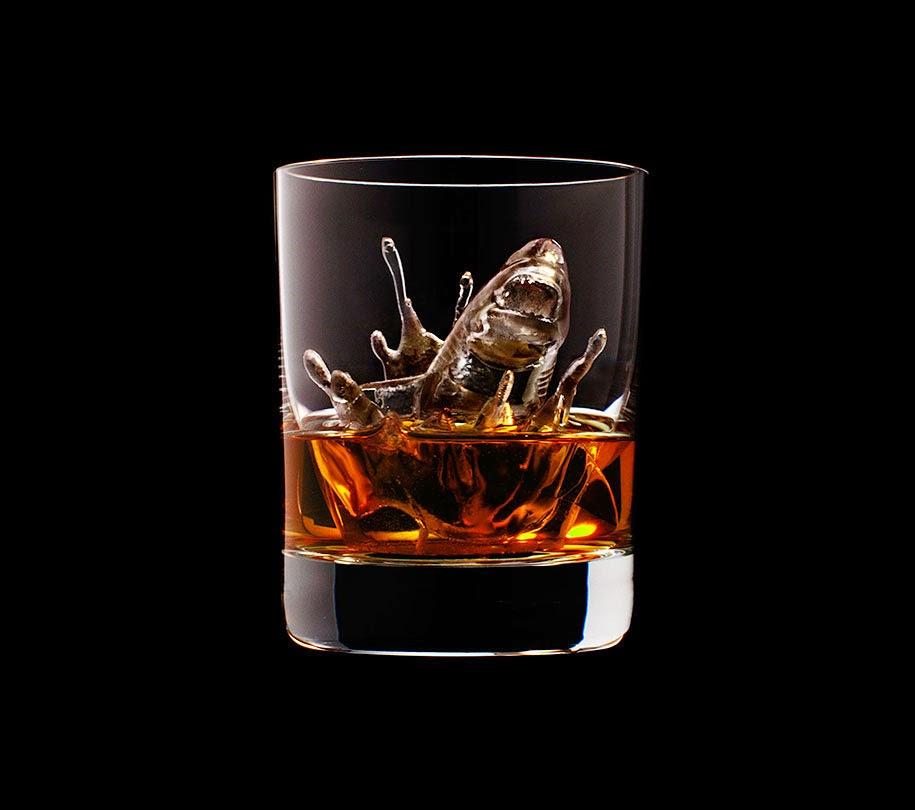 ice cube design 3d on the rocks suntory whisky-3