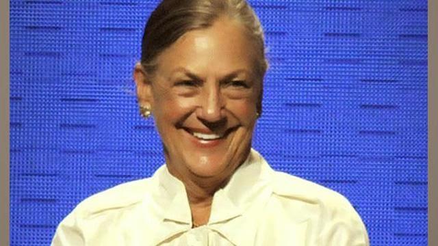 """<img src=""""http://3.bp.blogspot.com/-ncMMtwBgZy8/U5yjgy8GlQI/AAAAAAAAAPw/vkbhm_2EfLE/s1600/alice-walton.jpg"""" alt=""""Richest Woman in the World"""" />"""