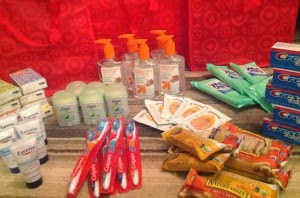 http://alldonemonkey.com/2013/05/14/care-kits-for-the-homeless-moms-gone-global-random-acts-of-kindness/