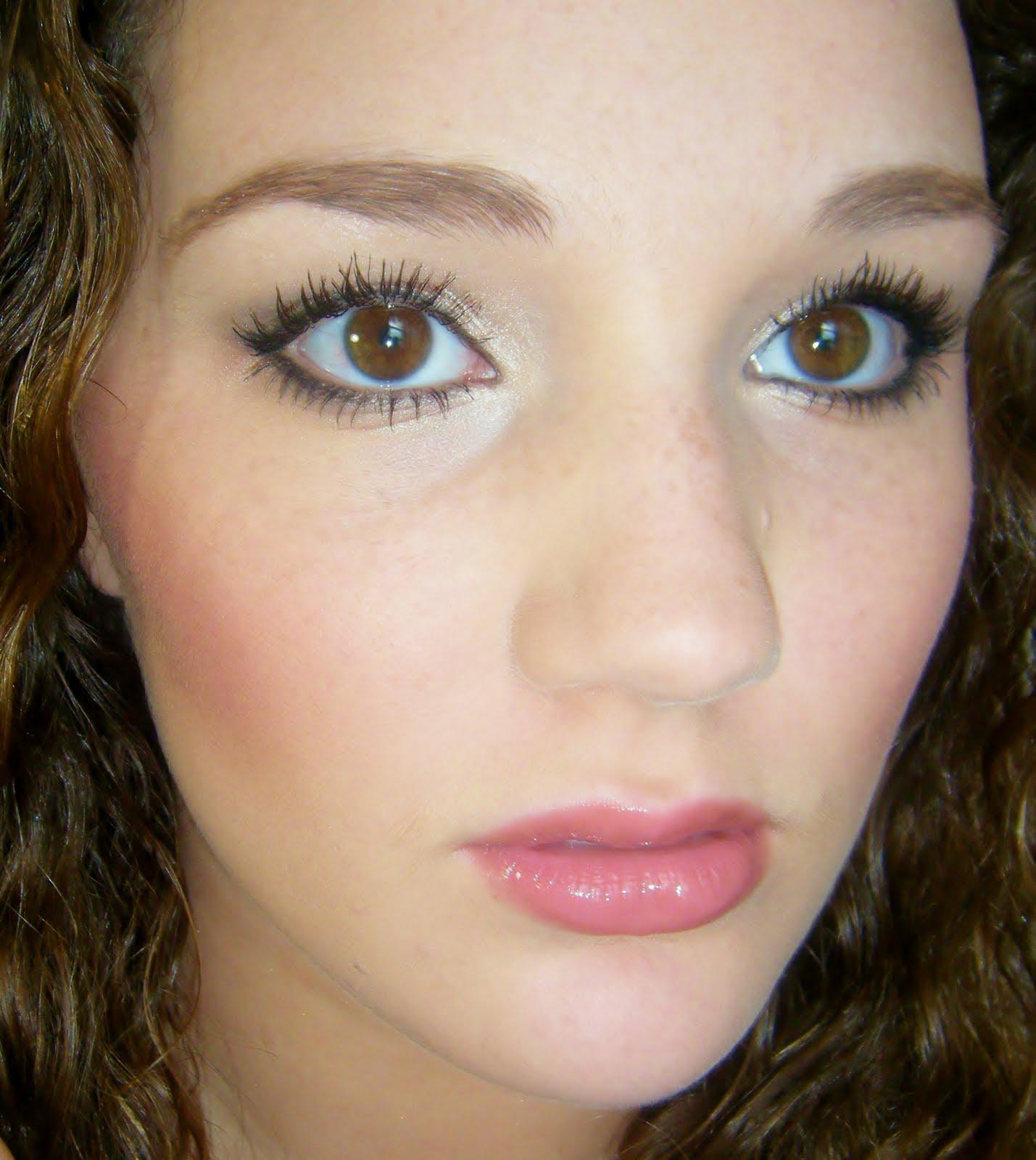 Back to School/VIDEO: Natural Makeup Tutorial: GetGlammedUp
