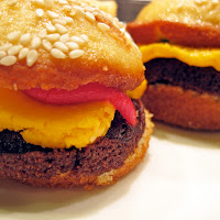 "Recipe for ""Burger"" Cupcakes"