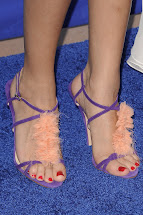 Selena Gomez Ugly Toes Related Keywords
