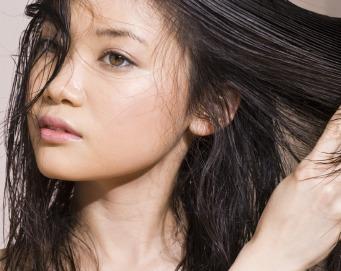 4 Cara Mengatasi Rambut Rontok