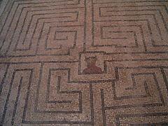 É Tanta Geometrização que da Labirintite...Não Vá se Perder Por Aí...
