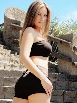 Lia Lippi Hot