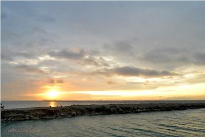 Sunrise di pantai Pulau Tidung