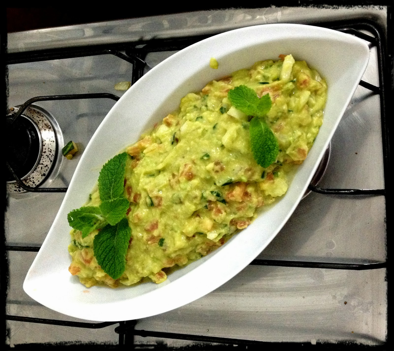Blog da Maira e do Lu: Guacamole com nacho light