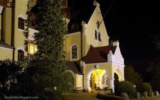 http://fotobabij.blogspot.com/2015/10/hotel-bursztynowy-paac-strzekecino-noca.html