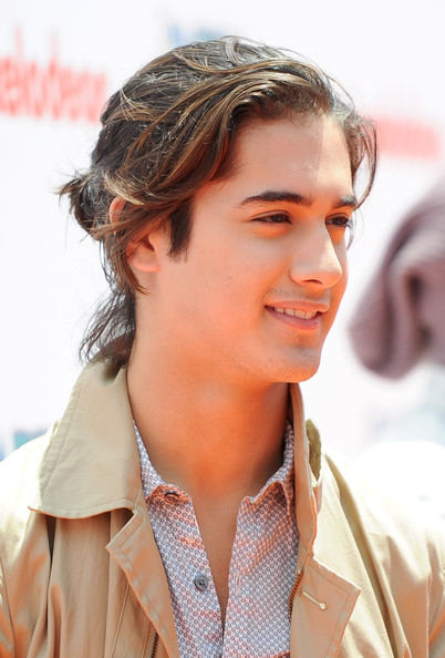 Avan Jogia At Nickelodeon 39s iParty With Victorious Premiere Orange