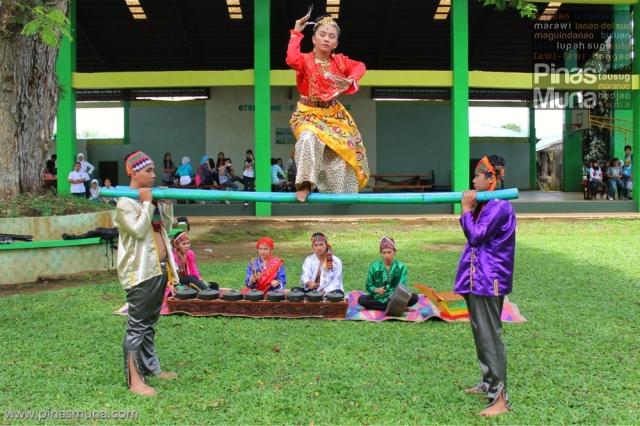 Pangalay ha Patung (Pangalay on Bamboo)
