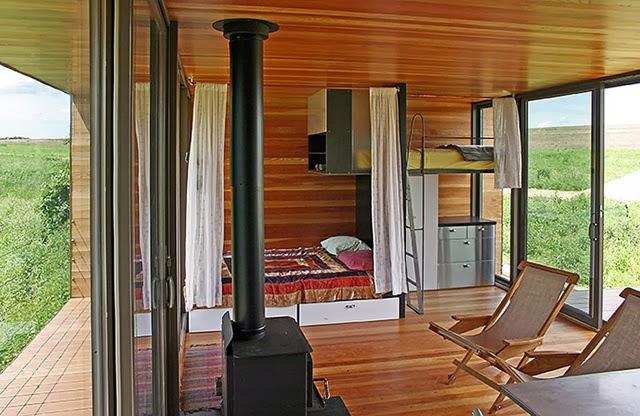 decoracao de interiores de casas de madeira: interiores de diferentes estilos e tamanhos de Casas de Madeira