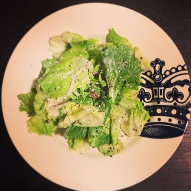 Escarole Salad with Horseradish and Capers | hardparade.blogspot.com