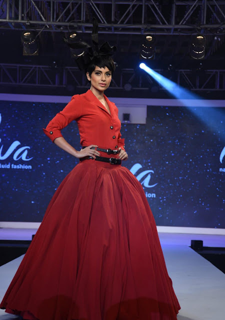Kangana Ranaut in Red Gown Dress at Walks the Ramp for Liva Launch