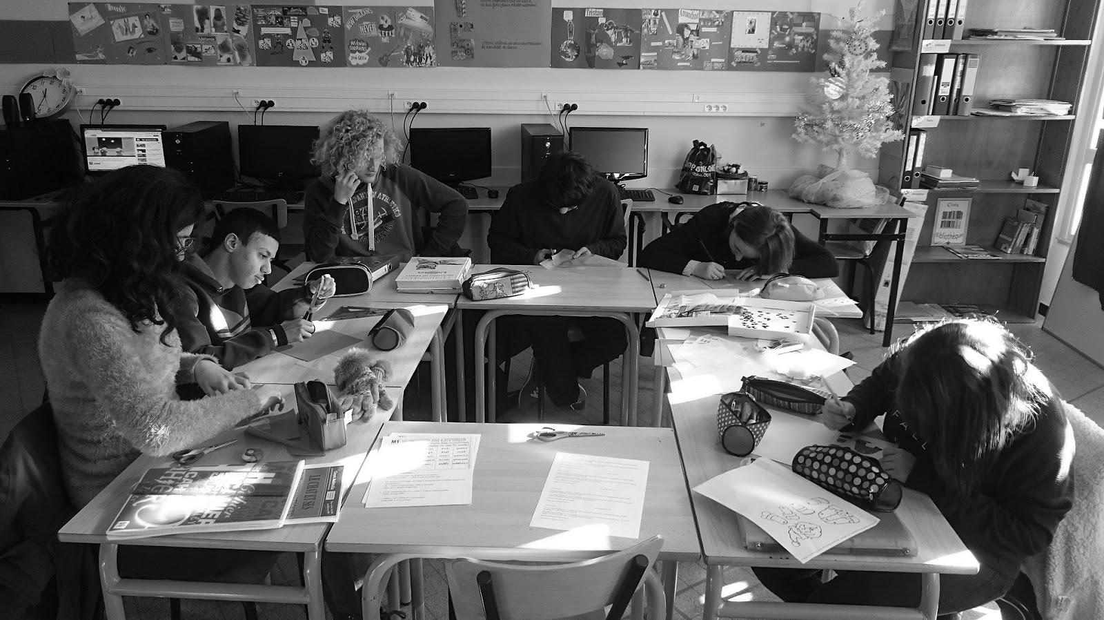Photo des élèves de la classe ulis lycée en noir et blanc
