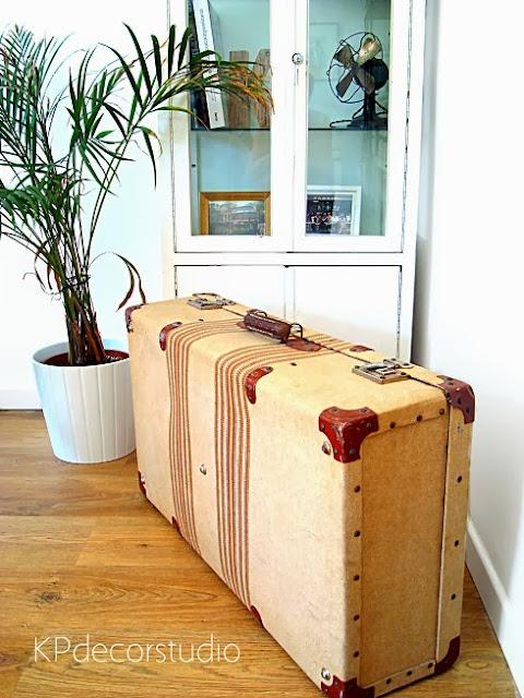 Decorar con un toque vintage. Utilización de maletas antiguas en bodas y casas