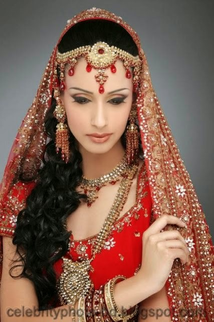 Girls+in+Weddings+and+Bridal+Dressing+Latest+New+Collection008