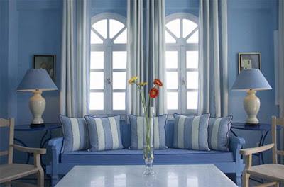 diseño de sala azul y blanco