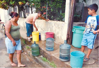 Escasez de agua potable denuncian sabotaje en tuber as de for Tuberias de agua potable