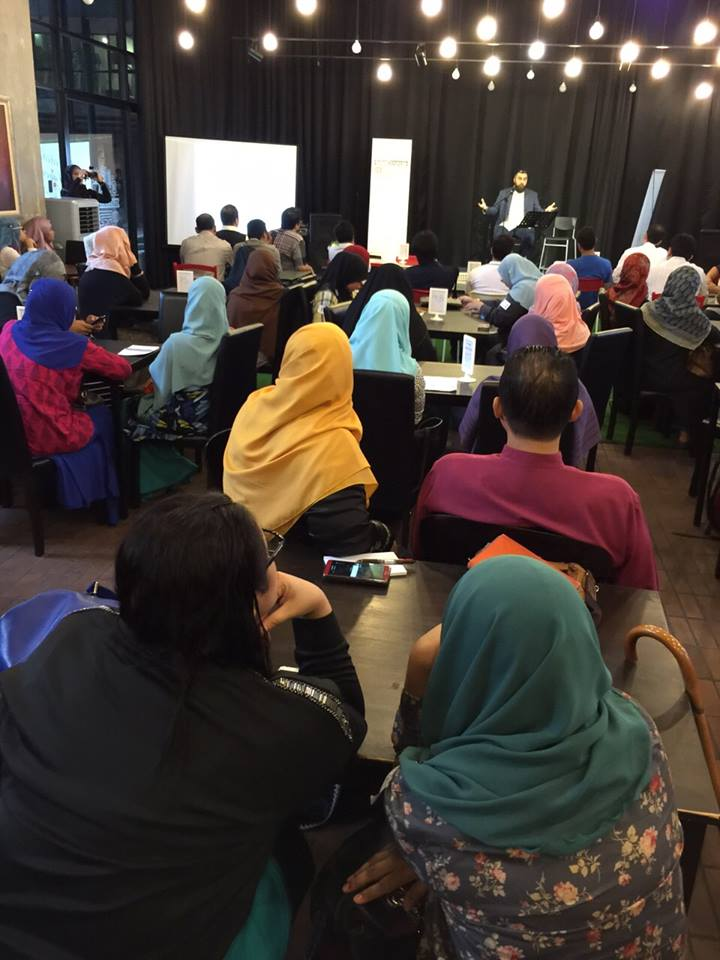speed dating the halal way Yes, there's a halal-certified speed dating service in kuala lumpur  is on its way towards becoming the world's first halal-certified train service by jan 2016.