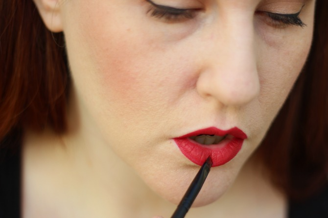 Applying lipstick with Karla Brushes
