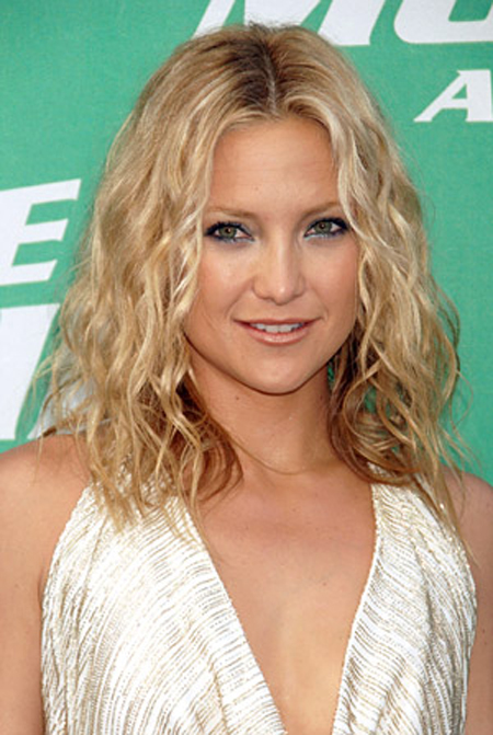 Kate Hudson Curly Clad Hairstyle.