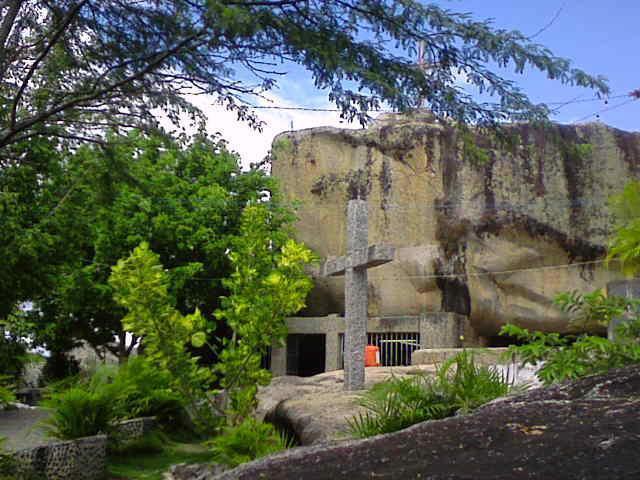 Gruta de Lourdes- Ponto Turístico