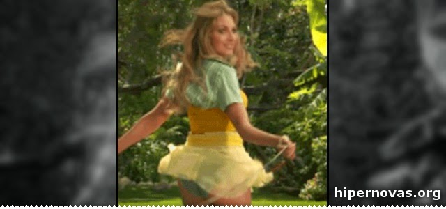 Hipernovas: 22 Gifs de mulheres pulando corda (22 Gifs)