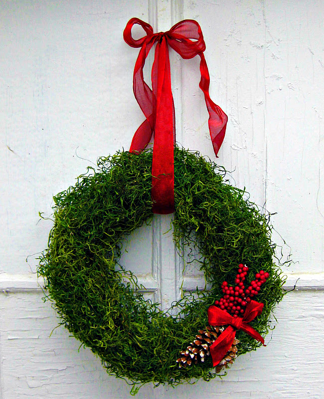 my pink life christmas decorating idea moss wreath
