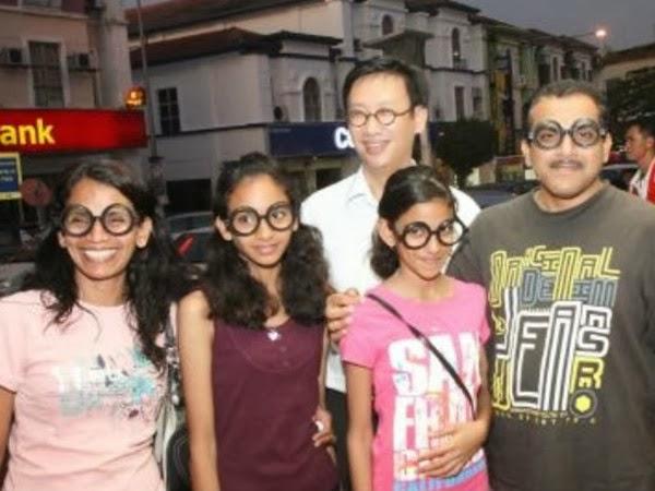 Wong Chen's Round Glasses