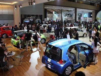 Gambar Mobil Honda Brio Satya