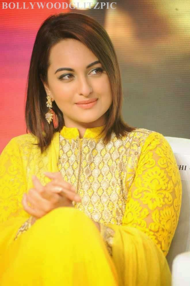 Sonakshi Sinha Latest Photos At Lingaa Movie Audio Success Meet