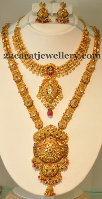 Trendy Gold Sets with Polki Stones Jewellery Designs